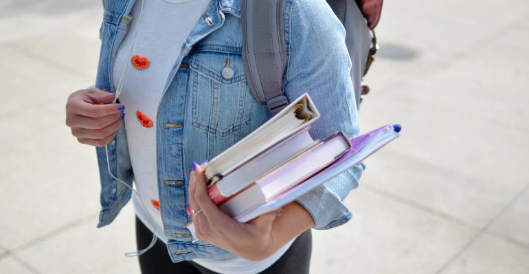 Back to school: Η top 5 λίστα με τα gadget που πρέπει να έχεις στην φοιτητική τσάντα σου