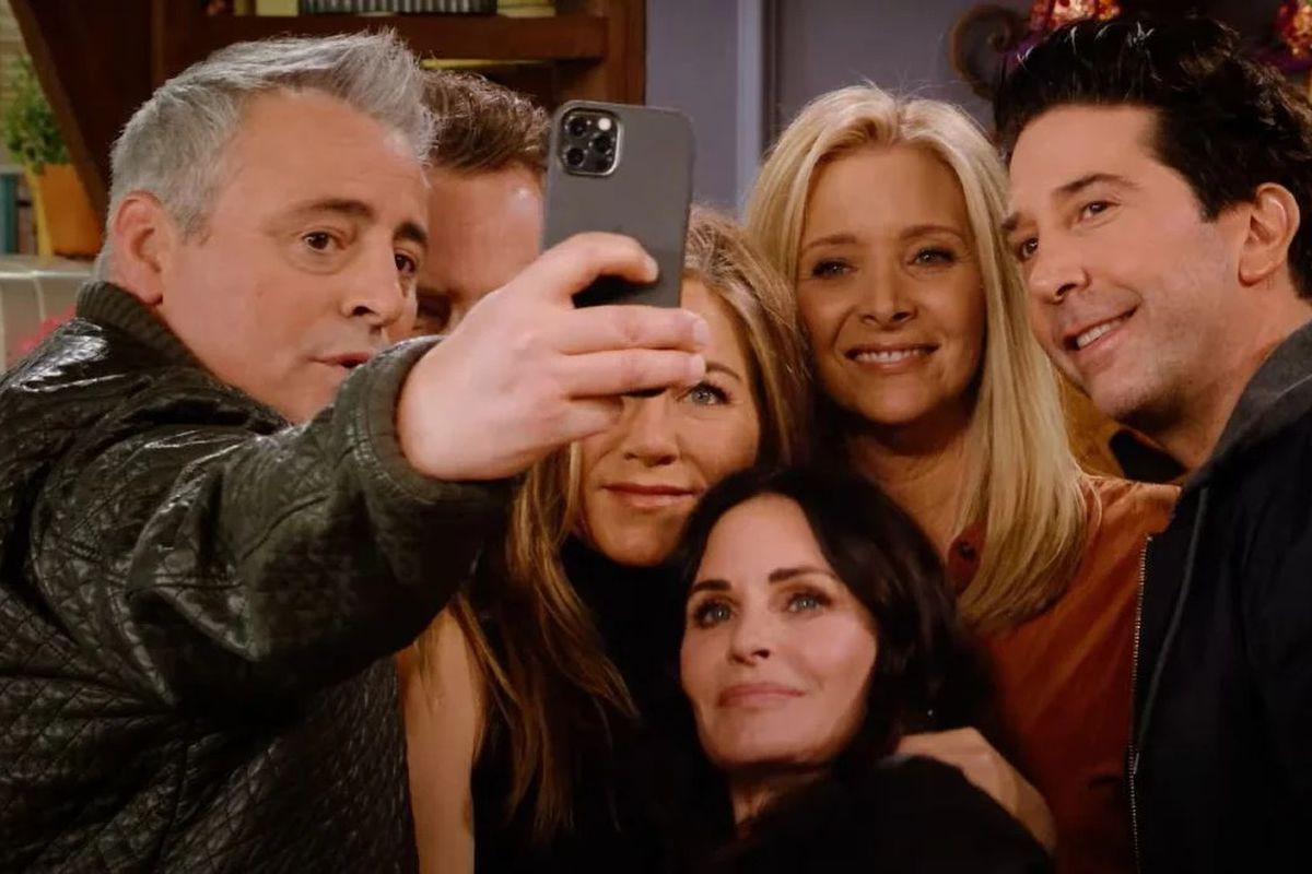 Θρυλικό το reunion των Friends, θρυλικές και οι tech σκηνές τους