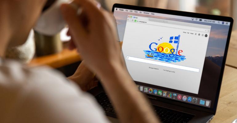 Ντομάτες, χαρτί τουαλέτας και αγάλματα: όλα όσα ρωτάνε το Google για την Ελλάδα!